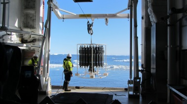 CTD deployment in sea ice